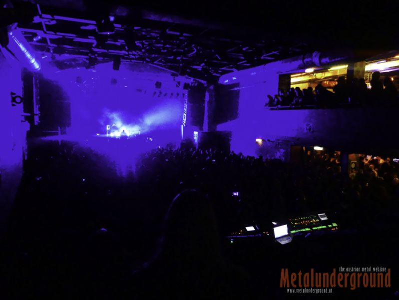 Crowd-VMM-01
