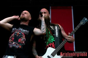 five-finger-deathpunch-live-novarock-2015
