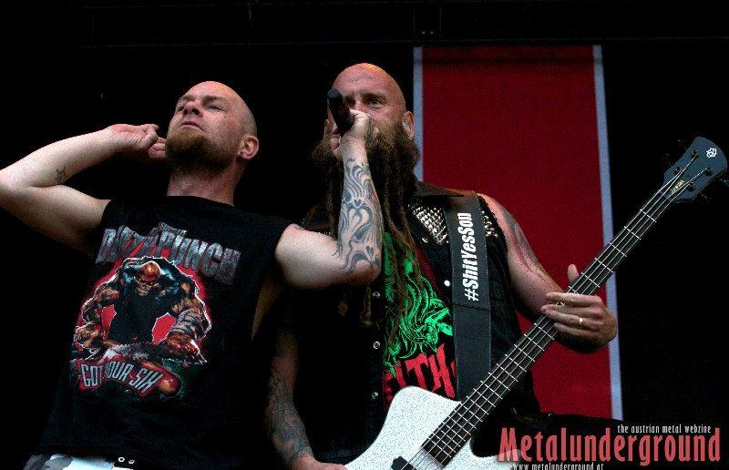 five finger deathpunch - live novarock 2015